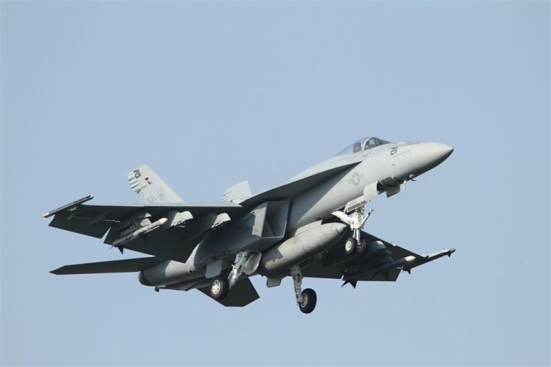 F:A-18E